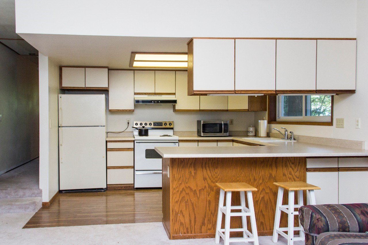 Jane\'s Guest Apartment Kitchen Remodel - Let\'s Remodel