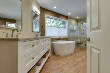 Relaxing Transitional Master Bath